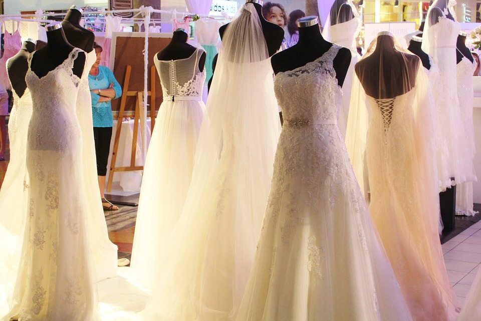 How to Plan a Small Wedding: 7 Tips for a Simplified Wedding