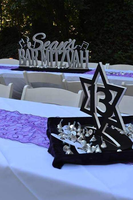 table decor at outdoor mitzvah at Gala